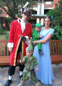 Peter Pan family costumes. I need a Wendy dress! Baby girl can be tink!
