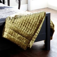 Beautiful accent throw