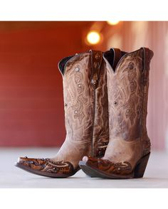 Lucchese Women's Camel Tumbled Aspen Boot http://www.countryoutfitter.com/products/39973-womens-camel-tumbled-aspen-boot