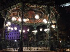 La plaza de armas se ilumina con recuerdos y mucha nostalgia.