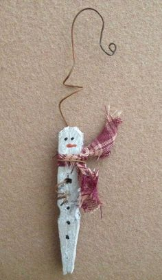 Snowman crafts Primitive - Primitive Christmas Icicle Snowman Rusty Wire Wood Clothespin Ornament Ornie NEW Diy Christmas Ornaments, Homemade Christmas, Rustic Christmas, Christmas Projects, Kids Christmas, Christmas Decorations, Primitive Christmas Tree, Snowman Ornaments, Handmade Decorations