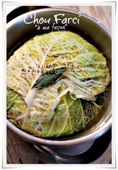 Une recette de chou farçi entier à cuire au four.