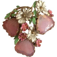 This beautiful pin by Hobé features three pale pink mayorka glass hearts surrounded by enameled white flowers. Hobé pieces from this period were made by the Marner Company owned by Julio Marsella…MoreMore Or Antique, Antique Jewelry, Vintage Jewelry, Vintage Costume Jewelry, Vintage Costumes, Jewelry Shop, Custom Jewelry, Jewelry Accessories, Fine Jewelry
