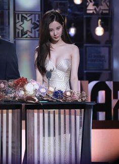 Seohyun Sexy Asian Girls, Beautiful Asian Girls, Korean Beauty, Asian Beauty, Sooyoung, Seoul Fashion, Snsd, Japanese Girl, Girls Generation