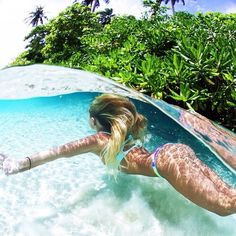 I love this picture so much, want to get a gopro to take underwater pictures with my besties this summer!!!