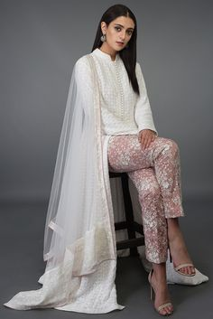 Everyday luxury, light occasion wear and special occasion wear Lovely Dresses, Stylish Dresses, Casual Dresses, Fashion Dresses, Designer Party Wear Dresses, Indian Designer Outfits, Nose Makeup, Stylish Dress Designs, Latest Designer Sarees