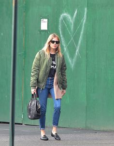 Off  - duty,,just a lot of errands. Comfortable and afordable outfit. Sienna Miller.