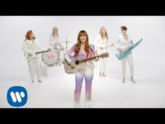 """Anne Hathaway, Kristen Stewart, and Brie Larson Are Jenny Lewis' Band in """"Just One of the Guys"""" Video"""