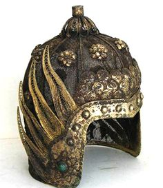 A Ming military officer's metal helmet. ( More at tieba.baidu.com/p/1053712565)