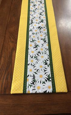 Your place to buy and sell all things handmade - Daisy Table Runner by AlidanCreations on Etsy Table Runner And Placemats, Quilted Table Runners, Quilted Table Runner Patterns, Patchwork Table Runner, Octagon Table, Mug Rugs, Table Toppers, Entryway Decor, A Table