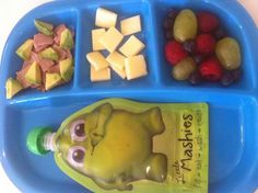 """Does anyone else's kids prefer a """"platter"""" with a few different choices for each meal?Toddler snacks and baby food ideas with Little Mashies. #babyfood   Image from www.littlemashies.com"""