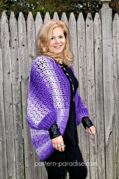 Free crochet pattern for snuggler cocoon cardigan sweater by Pattern-Paradise.com #crochet #patternparadisecrochet #cocoon #sweater