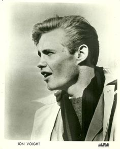 looks good to this day! Jon Voight, Actors & Actresses, Beautiful People, Hollywood, Facebook, History, Stars, Film, World