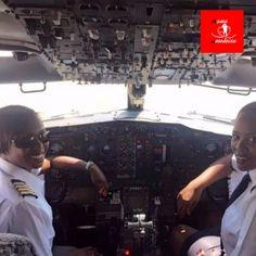 Pela primeira vez Boeing 737 decolou comandado por duas mulheres como capitãs #meameoumedeixe #mulheres #amor #força