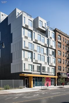 It Took Less Than A Month To Assemble This Entirely Modular Apartment  Building In NYC: Winning The Race To Build The Tallest Prefab Building In  New York ...
