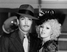 Tim Curry, Bernadette Peters (Annie)