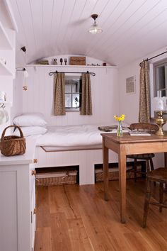 First photo of the finished shepherds hut interior :)