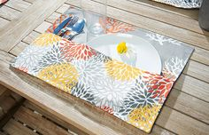 Make this quick and easy pocket placemats using Coats Outdoor thread and Dual Duty XP all purpose thread