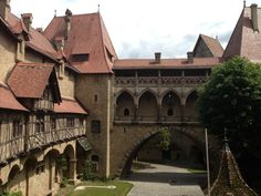 Kreuzenstein Castle / near Vienna Templer, Vienna, Places To See, The Good Place, Castle, Mansions, Nice, House Styles, Travel