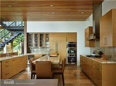 interior design home design de casas interior decorators house design Wood Interiors, House Design, House, Courtyard House, Home, Lakefront Homes, Contemporary Kitchen, Glass Kitchen Cabinet Doors, Kitchen Design