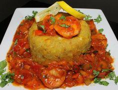 Puerto Rican Mofongo with Shrimp.Ay que rico! Honduran Recipes, Cuban Recipes, Seafood Recipes, Cooking Recipes, Puerto Rican Cuisine, Puerto Rican Dishes, Spanish Dishes, Spanish Food, Gastronomia