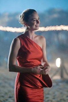 Love this Red One Shoulder Dress  Emily Thorne / VanCamp in Revenge