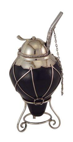 El Boyero, mate con personalidad propia:con tapa y cinturón... Bombilla artesanal con cadena.