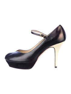 Yves Saint Laurent Tribute Pumps