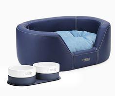La línea de hogar de Cyriano cuida el confort para tu perro sin olvidar el diseño y su funcionalidad. Por eso nuestras camas y cuencos serán tus accesorios preferidos para tu mascota.