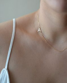 Sideways Initial Necklace Gold Initial Necklace Side por foressti