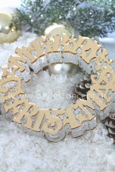 # 2019 #merrychristmas #gift #luxurygift #gold #plexiglass #decor Μια ιδιαίτερη σειρά χειροποίητων διακοσμητικών, ειδικά σχεδιασμένων με γιορτινά μοτίβα. Κατάλληλα και για επαγγελματικά δώρα.  ΧΑΡΑΚΤΗΡΙΣΤΙΚΑ: Επιτραπέζιο στεφάνι Merry Christmas διαμέτρου 15εκ x 3,5εκ (στέκεται) από χρυσό plexiglass καθρέφτη και στις 2 όψεις. Μπορεί να χρησιμοποιηθεί ως πρωτότυπο κηροπήγιο τοποθετώντας κερί στη μέση ή να στολίσει από μόνο του μια όμορφη γωνιά. Merry Christmas, Merry Little Christmas, Wish You Merry Christmas