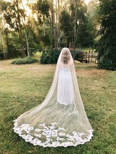 MILANA | Single Layer Lace Applique Cathedral Veil – The Luxe Bride Co