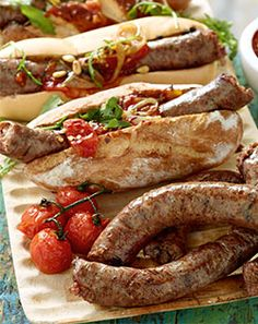Gourmet Boerewors Rolls - This tried and tested family favourite gets an extreme makeover # Comfort Food Braai Recipes, Dog Recipes, Sausage Recipes, Appetizer Recipes, Healthy Recipes, South African Dishes, South African Recipes, Hot Dogs, State Fair Food