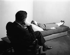 http://styleture.com/wp-content/uploads/2011/05/psychoanalytic-couch.jpg