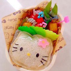 キティちゃんのサンドイッチお弁当