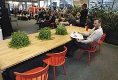 Vincitin työntekijät kuuntelivat luentoa yrityksen toimistolla Tampereella viime toukokuussa.
