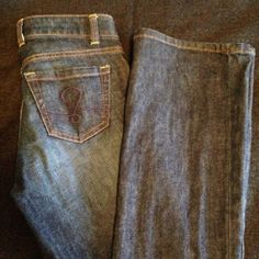 """Lilly Pulitzer Jeans Main line fit - straight leg with slight boot cut. 98/2% lastol. Size 0/25 with 33"""" inseam. Lilly Pulitzer Jeans Boot Cut"""