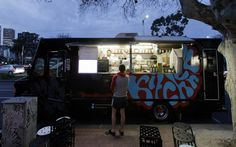 le soir Pizza Truck, Food Truck, Street Coffee, Wood Fired Pizza, Buildings, Food And Drink, Restaurant, Places, Kitchen
