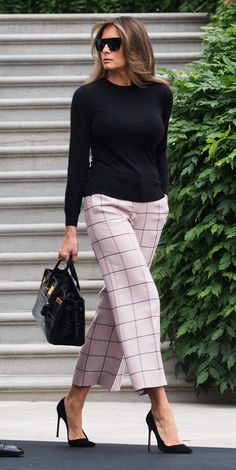 Nadire Atas on Simple and Elegant best Melania Trump fashion and style pictures Mode Outfits, Chic Outfits, Fashion Outfits, Womens Fashion, Fashion Trends, Fashion Ideas, Workwear Fashion, Office Outfits, Ladies Fashion