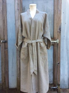 Le Fil Rouge Textiles hand sewn bathrobe made in Canada, BC using sustainable linen fabric woven in Europe Kimono Coat, Kimono Style, Sustainable Clothing, Kimono Fashion, Linen Fabric, Hand Sewing, Fashion Accessories, Textiles, Pure Products