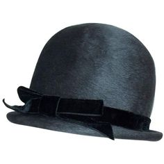 Preowned Bobby On The Beat Charcoal Gray 1960's Hat With Velvet Bow (€145) ❤ liked on Polyvore featuring accessories, hats, grey, gray brim hats, military hats, military style hats, grey hat and crown hat