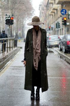 Touch of Winter - Long khaki trench coat - Taupe scarf - Street style - Fashion