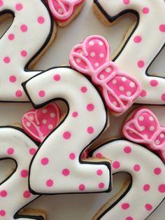 Minnie Mouse Birthday Cookies via Etsy. Minnie Mouse Theme, Minnie Mouse Cake, Mickey Party, Mickey Minnie Mouse, Second Birthday Ideas, Girl 2nd Birthday, Mickey Mouse Birthday, 2nd Birthday Parties, Birthday Numbers