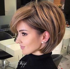 Short Hair With Bangs, Short Hair With Layers, Short Hair Cuts For Women, Bob With Layers, Medium Hair Styles, Curly Hair Styles, Short Layered Bob Haircuts, Thick Bob Haircut, Bob Style Haircuts