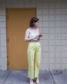 How to wear yellow pants during the summer Ethical Fashion, Womens Fashion, Eccentric Style, Yellow Pants, Yellow Fashion, Vogue, Outfit Combinations, Material Girls, Looks Vintage