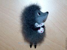 Валяем милую брошь «Ежик в тумане» - Ярмарка Мастеров - ручная работа, handmade