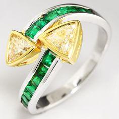 1.35ctw Fancy Light Yellow Trilliant Diamond & Emerald Swirl Ring in 18kt Gold
