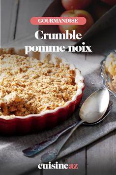 Le crumble aux pommes et noix est un dessert d'automne facile à préparer. #recette#cuisine #crumble #pomme #noix #dessert #patisserie #patisseriemaison Easy Apple Crumble, Apple Crumble Recipe, Berry Crumble, Apple Cobbler, Crumble Topping, Peach Crumble, Gluten Free Apple Crisp, Apple Crisp Recipes, Food Cakes