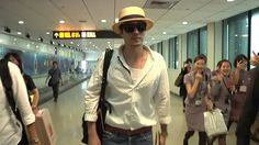 Taiwan Airport - 2014.06.27  People seriously loosing their minds.  I can't say that I would be much different.