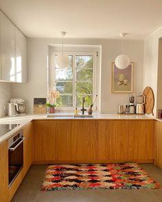 Kitchen Interior, New Kitchen, Kitchen Dining, Kitchen Decor, Cuisines Design, Home And Living, Home Kitchens, Kitchen Remodel, Sweet Home